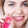 Razendsnel voedende getinte lippenbalsem maken