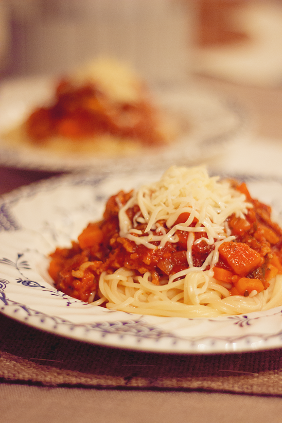 hoeveel gram spaghetti per persoon