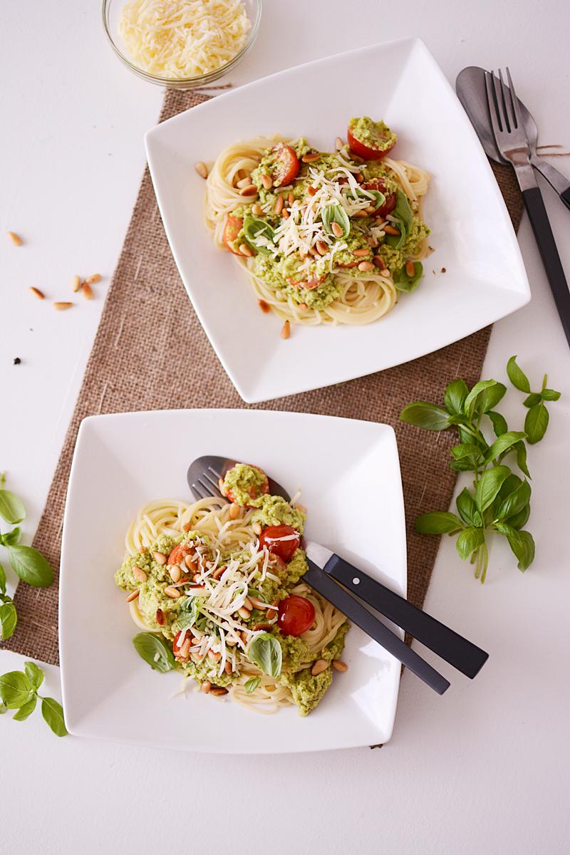 Spaghetti met pittige avocadosaus